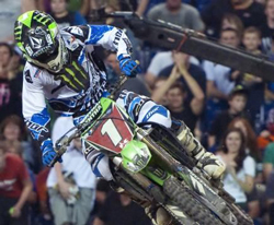 As injuries doom rivals, Villopoto nears Supercross title